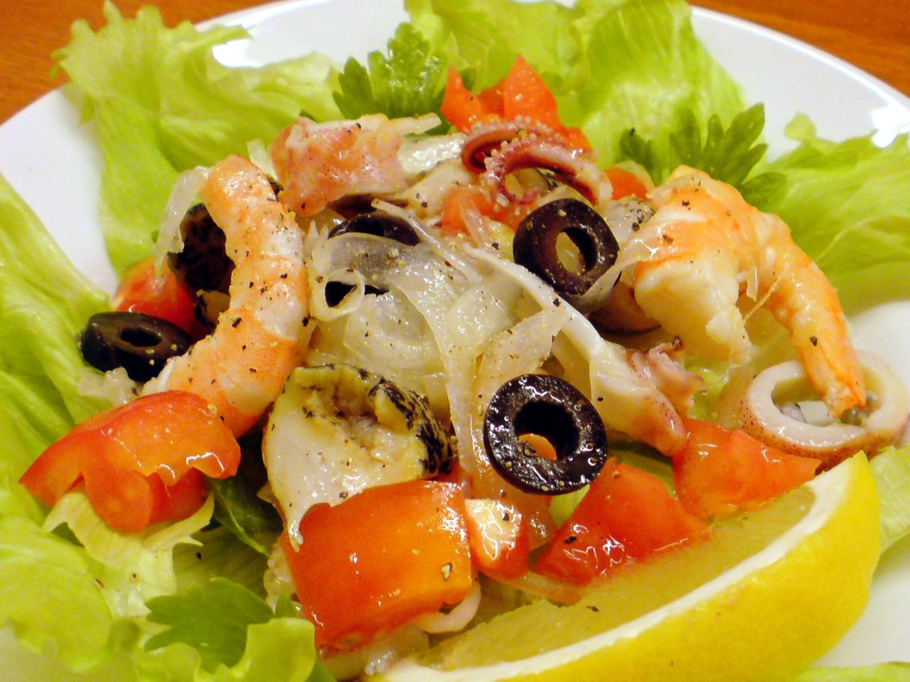 RED CHILI Salad3